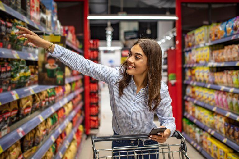 """""""The Great Shift"""" in Italia: consumi e consumatori in epoca Covid. Il periodo Natalizio"""